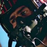 maverick-up-close-in-cockpit-talk-to-me-goose